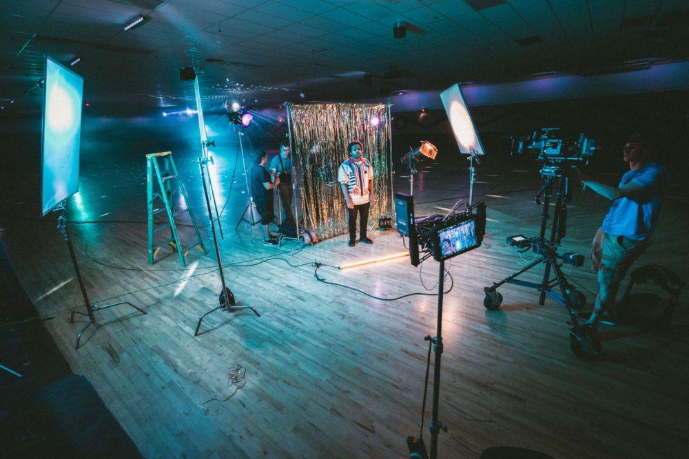 Photo of 映像制作はインハウス、制作会社、フリーランスのどれが良いのだろう?それぞれのメリットとデメリット